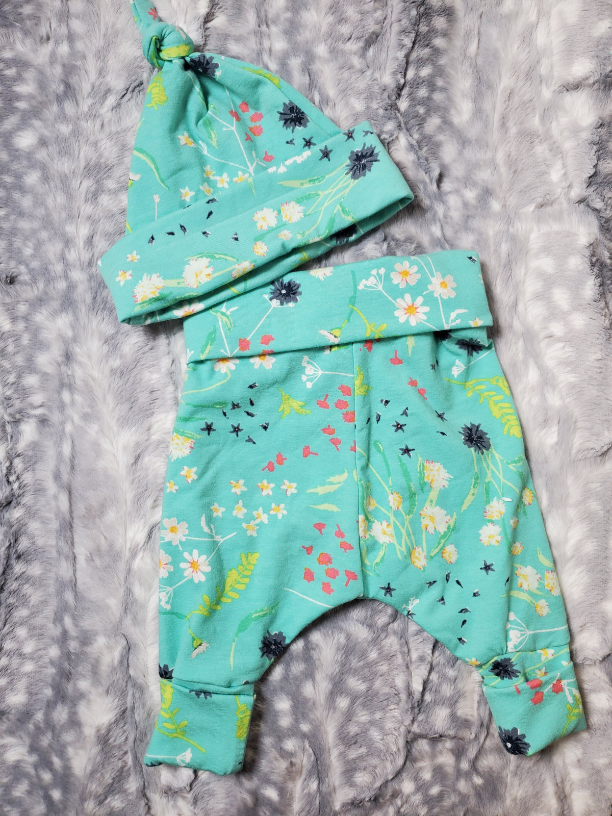 Baby Pants and Hat Set - Calm Blossom