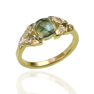 18ct yellow gold with Labradorite and Diamonds