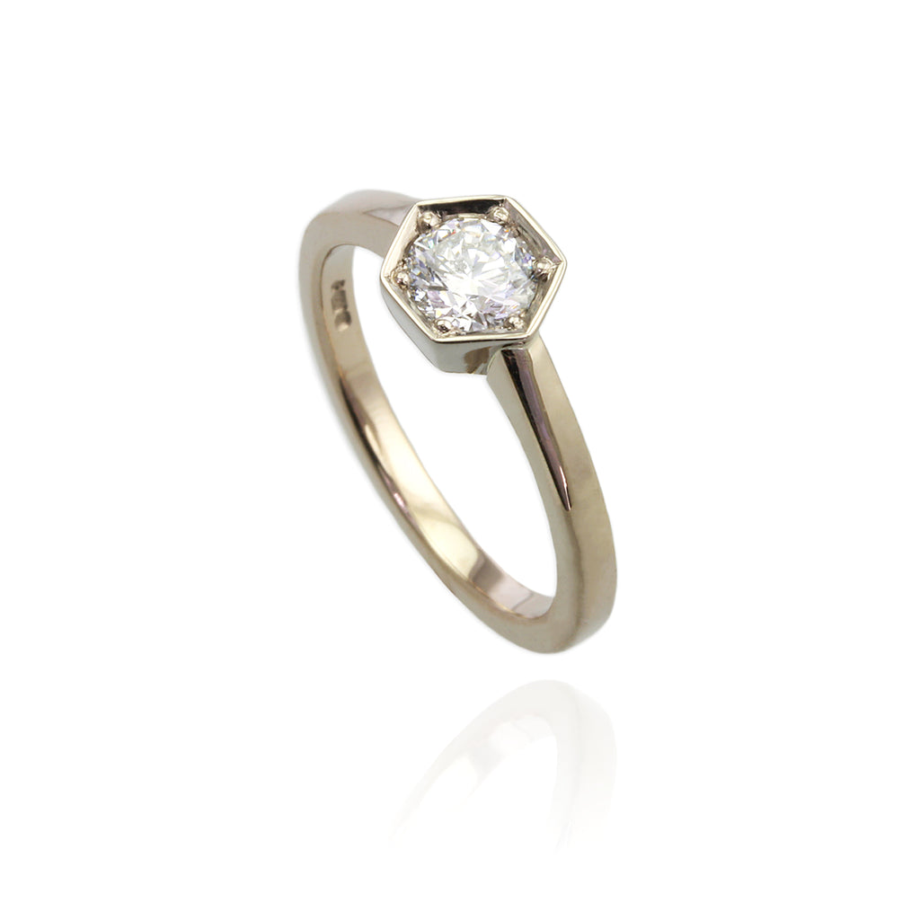 18ct White Gold with Diamonds Set
