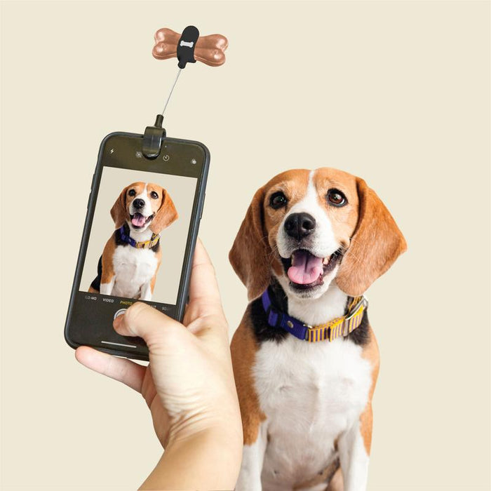 Kikkerland Dog Treat Selfie Clip