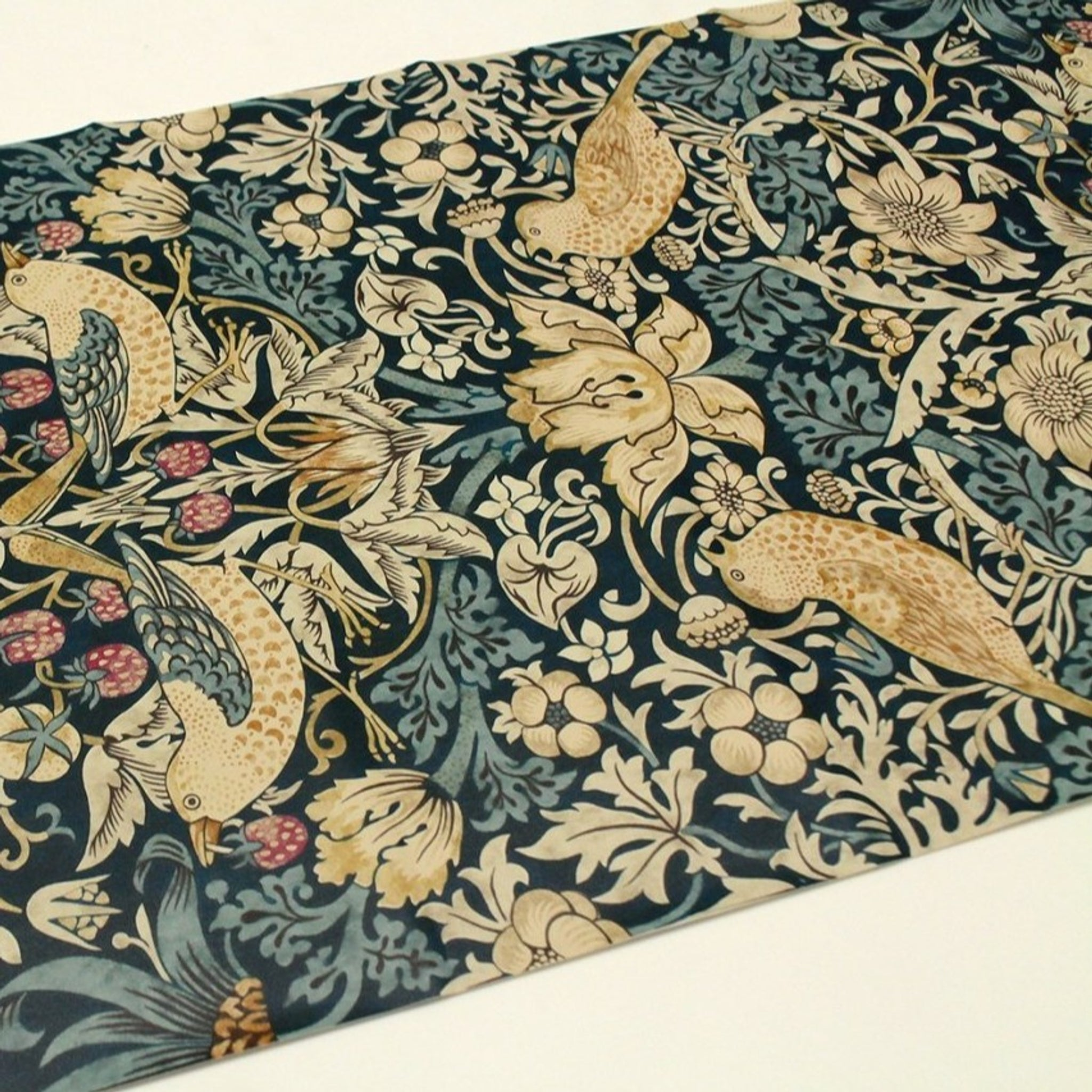 MT Remake Sheet William Morris Strawberry Thief