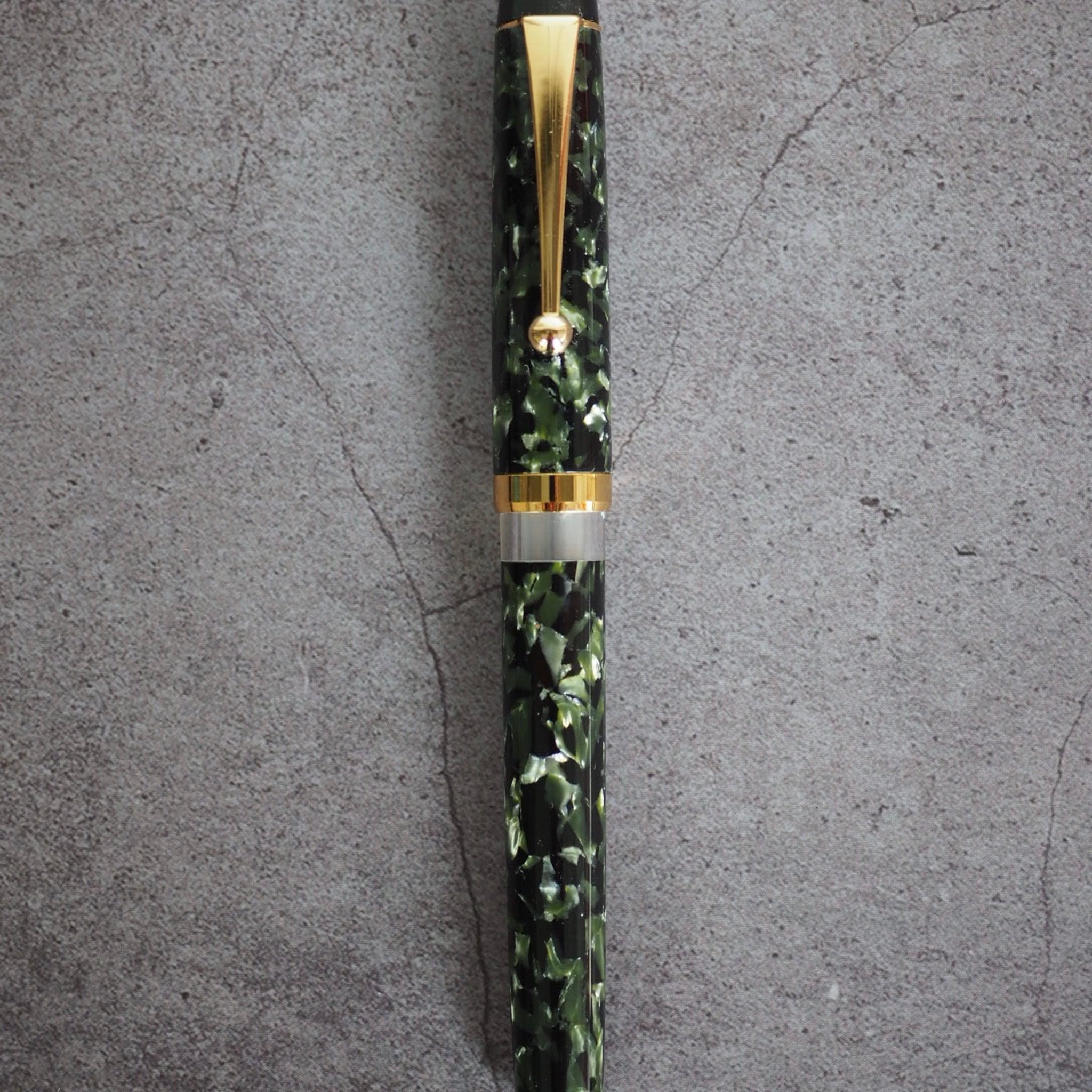 Onishi Handmade Fountain Pen Marble Green