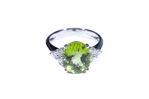 18K White Gold Peridot with Diamonds Ring