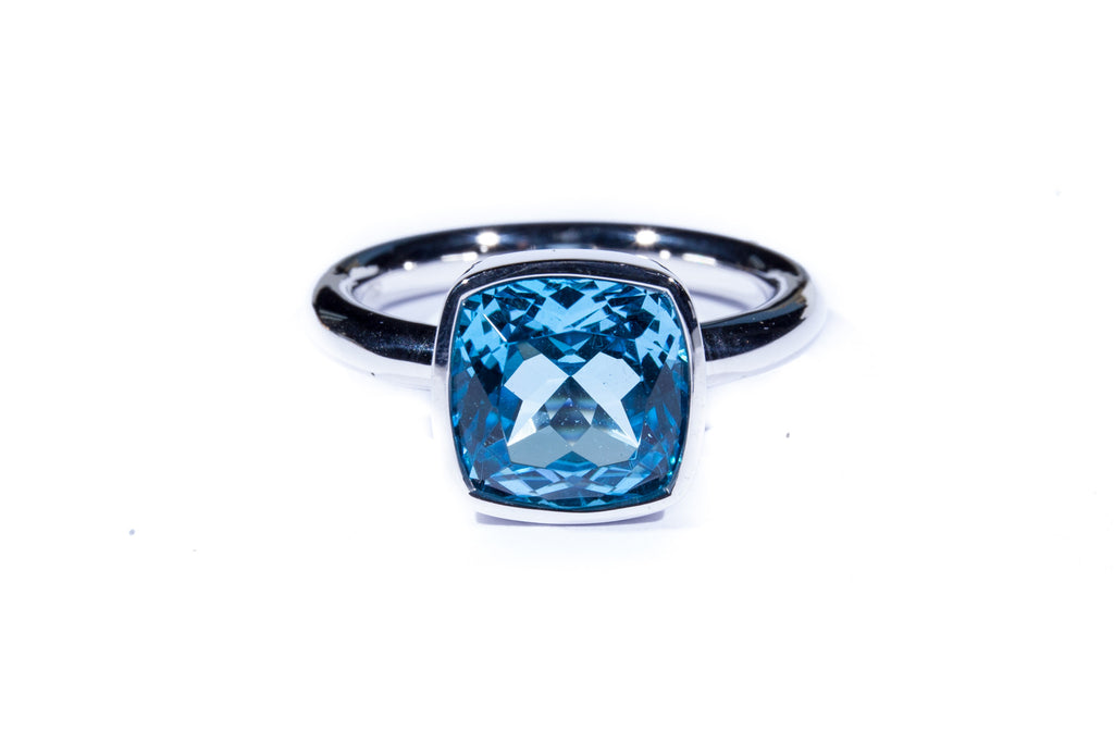18K White Gold Cushion Cut Swiss Blue Topaz