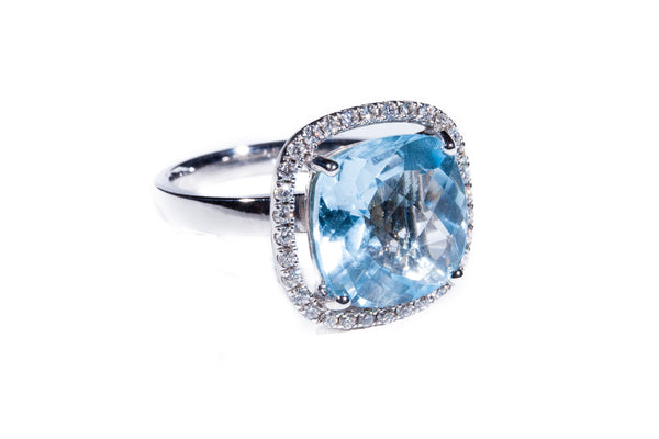 18K White Gold with Diamonds Blue Topaz