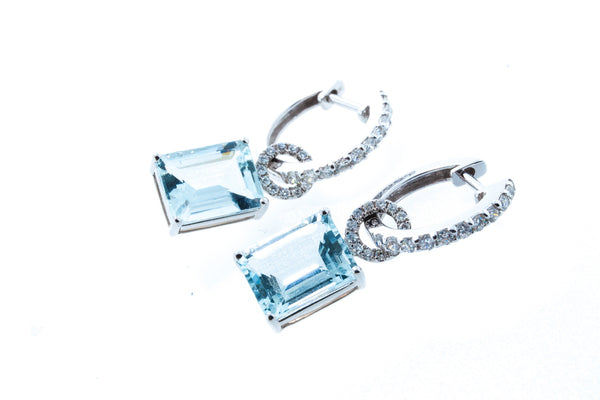 18K White Gold with Emerald Cut Aqua Marine