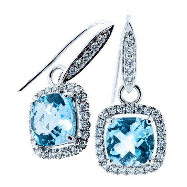 18K White Gold Checkered Cushion Cut Blue Topaz