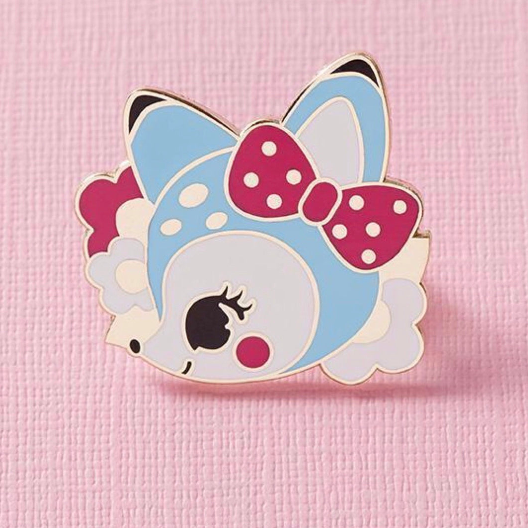 Retro cuties deer pin