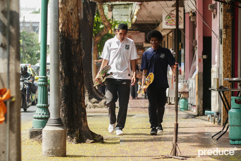 Geng and Joseph Preduce Jerseys walking