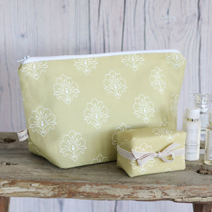 Jhansi  Wash Bag - Linden - Meg Morton