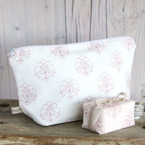 Jhansi Wash Bag - Rose On White - Meg Morton
