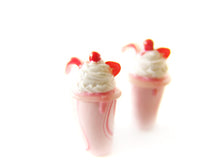 Load image into Gallery viewer, Strawberry Milkshake Charm - Sucre Sucre Miniatures