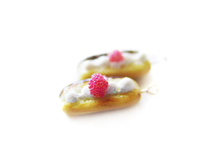 Raspberry Chocolate Cream Eclair Charm - Sucre Sucre Miniatures