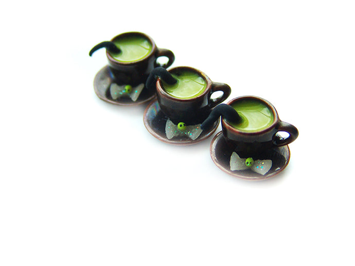 Wizardr-tea Charm Collection, No.006 Polyjuiced Hot Tea - Sucre Sucre Miniatures