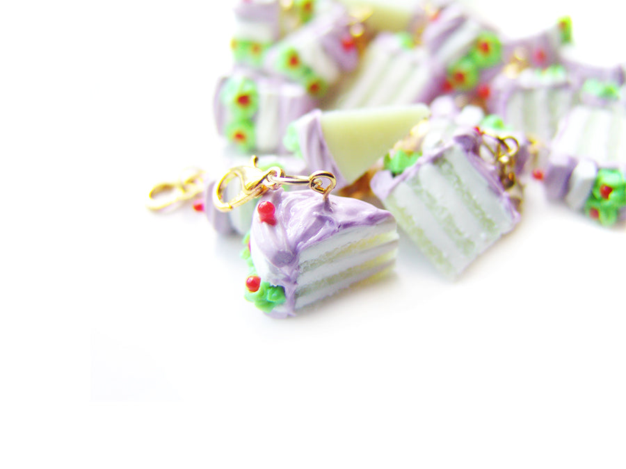 Petunia's Floating Pudding Charm - Sucre Sucre Miniatures