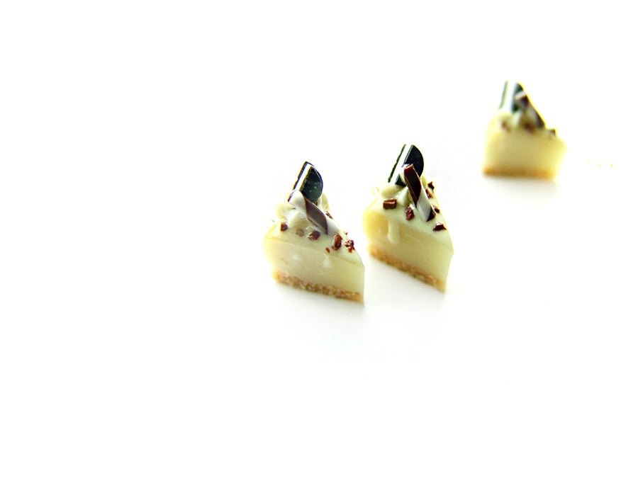 Cookies and Cream Cheesecake Charm - Sucre Sucre Miniatures