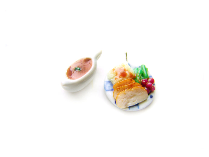 Holiday Heapin'Helpin' Dinner Plate Collection - Sucre Sucre Miniatures