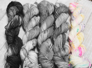 Skull Candy | Stellina Sparkle Mini, Single | SSM Marketplace Signature Yarn - Sucre Sucre Miniatures