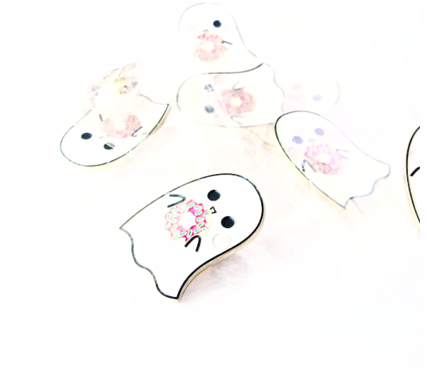 2016 Halloween Creepy Cute Ghosties Need Donuts Too Enamel Pin - Sucre Sucre Miniatures
