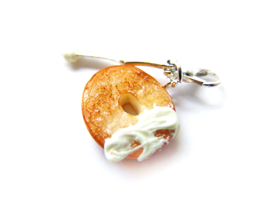 Bagel and Cream Cheese Charm - Sucre Sucre Miniatures