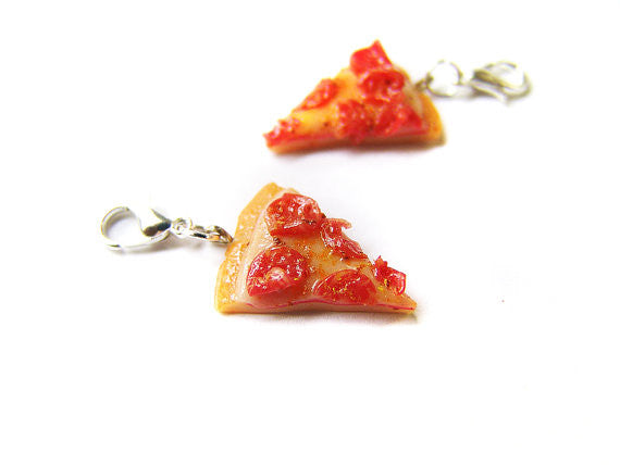 Pepperoni Pizza Charm - Sucre Sucre Miniatures