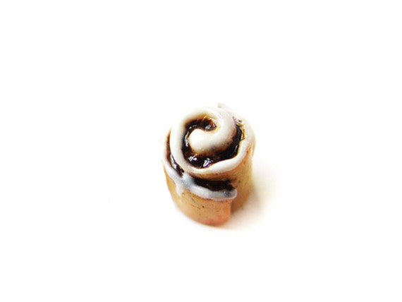 Cinnamon Roll Charm - Sucre Sucre Miniatures
