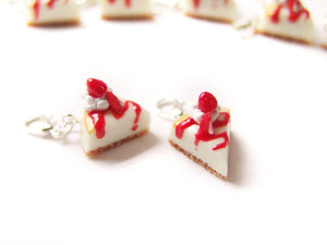 Strawberry Cheesecake Charm - Sucre Sucre Miniatures