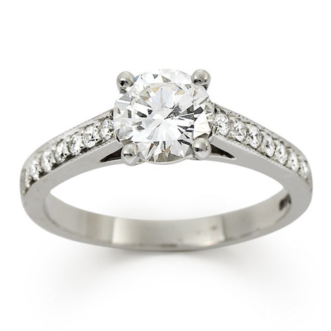 VIVACE Brilliant cut diamond three stone engagement ring