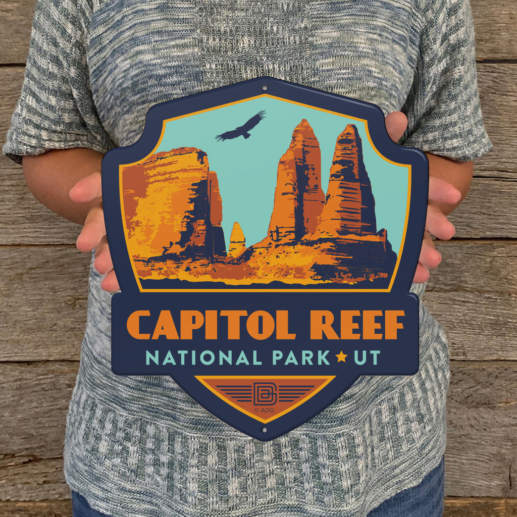Metal Emblem Sign: NP Capitol Reef National Park