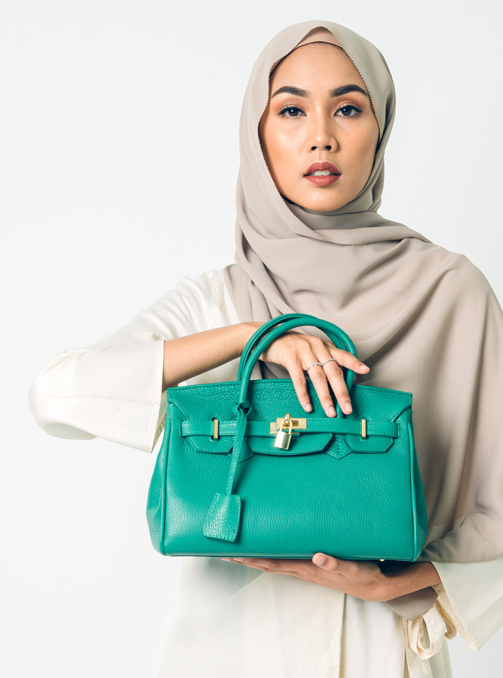B-bag Tote in Elf Green (SHW)
