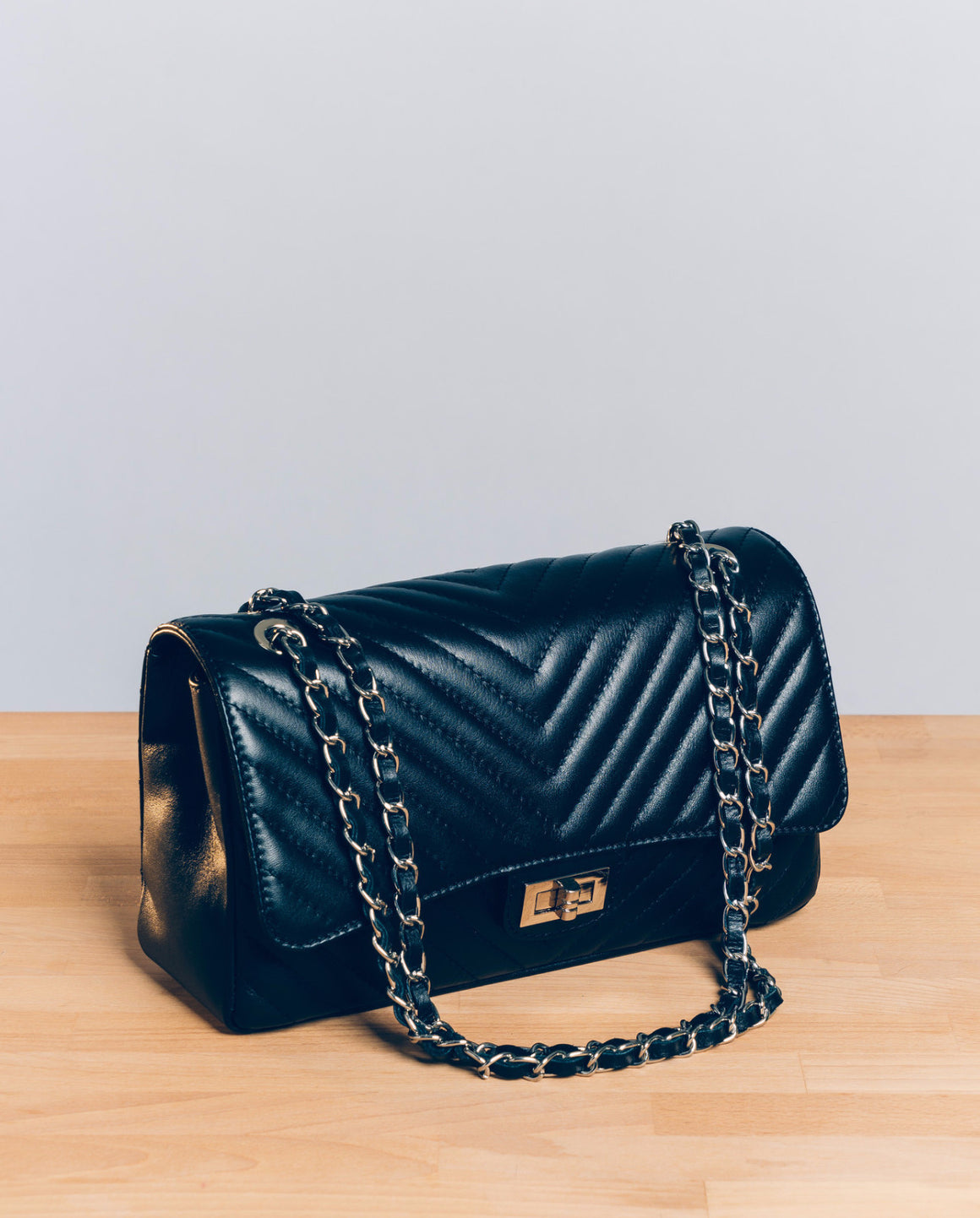 Chiara Chevron in Black (GHW)