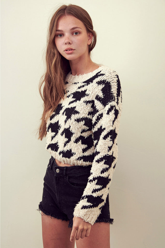 THE HOUNDS ARE RUNNING CROPPED SWEATER