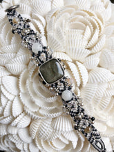 Load image into Gallery viewer, Beaded Macramé Bracelet by Isha Elafi SB2204