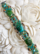 Load image into Gallery viewer, Beaded Macramé Bracelet by Isha Elafi SB2203