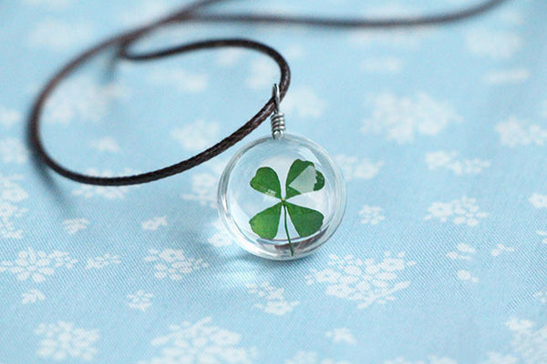 GOOD LUCK FOUR LEAF CLOVER NECKLACE