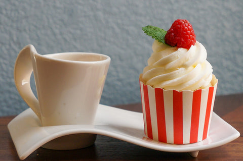 60 Small Red Vertical Stripes Bake-In-Cups