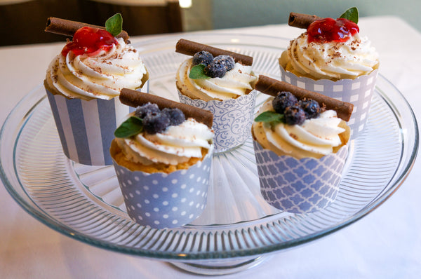 50 Large Silver Gingham Bake-In-Cups