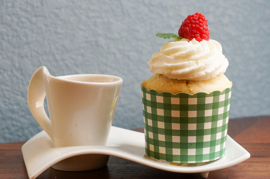 Case of Large Green Gingham Bake-In-Cups