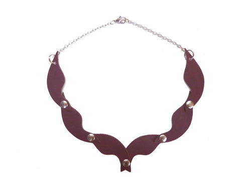 Burgundy Jewelry Fish-Choke