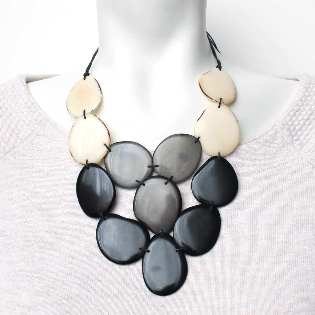 Divino Necklace