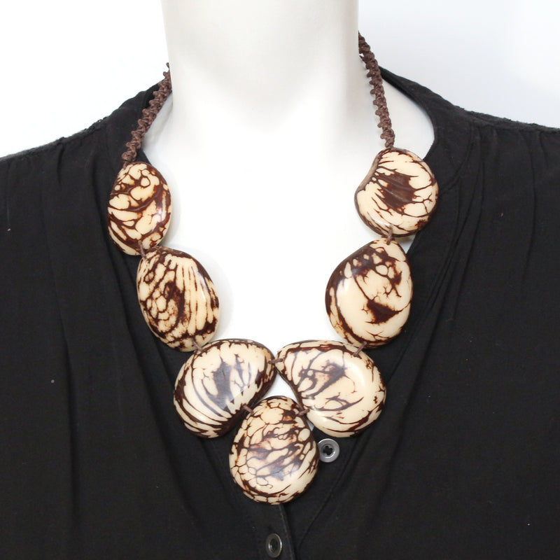 Petalo Necklace