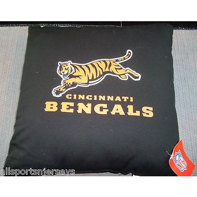 "NFL NWT 18""x18"" THROW PILLOW - CINCINNATI BENGALS"