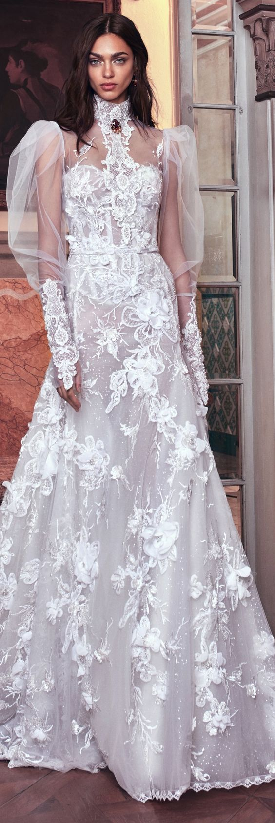 2019 Bridal Trends: Puff Sleeves and Wedding Shoes