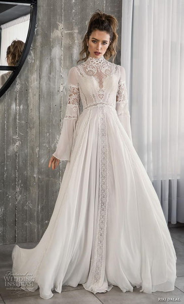 Trendy Necklines and Wedding Shoes for 2019