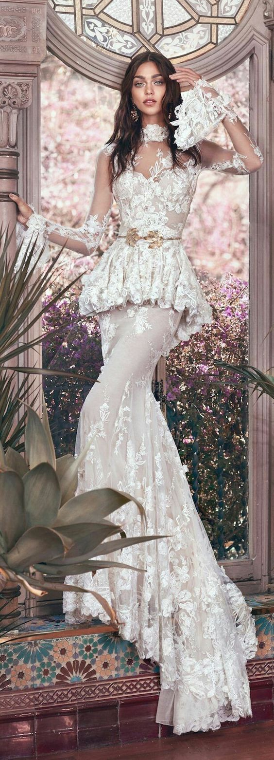 2019 Bridal Trends: Ivory/White Wedding Shoes and Funky Sleeves