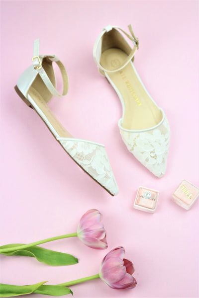 Timeless Bridal Flats and Simple Wedding Look