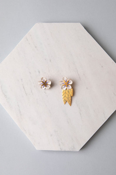 Hibiscus earrings with leaves