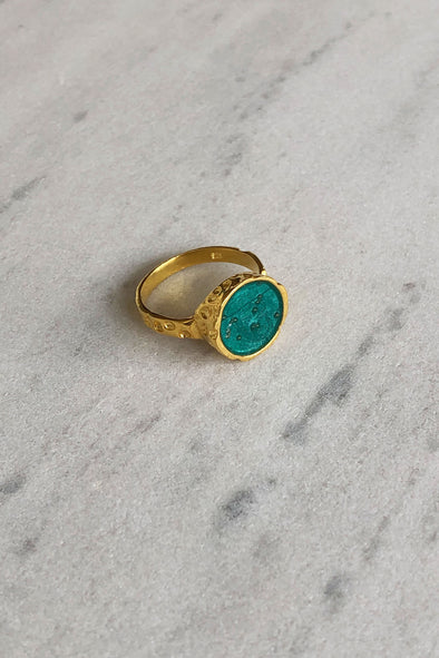 Green color gold-plated ring