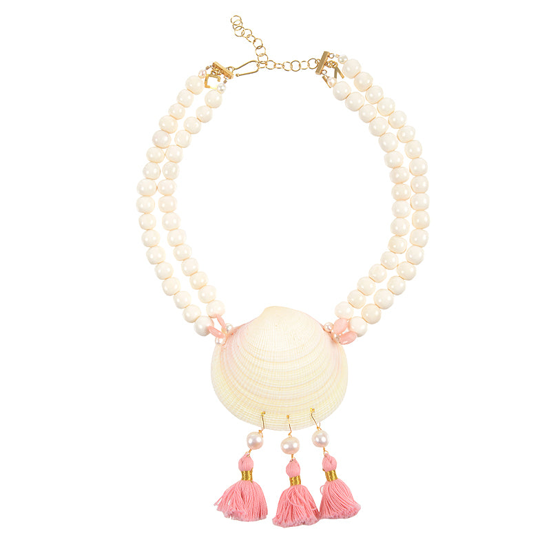 Cape Porpoise clam shell with tassels in bone and pink