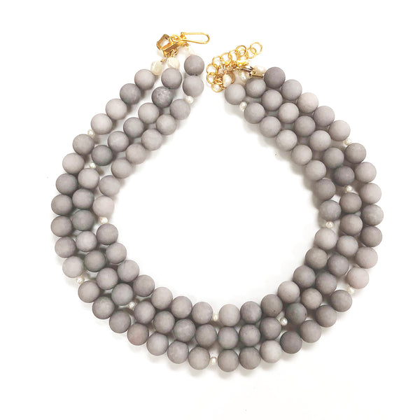 Westminster necklace in lilac gray